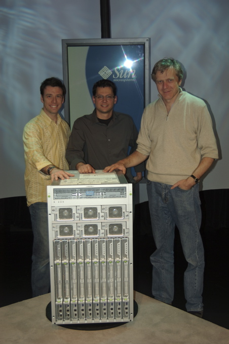 Paul Boudreau (Human Factors Lead Engineer), Drew Tosh (Industrial Design Lead) and Andy Bechtolsheim (Sun cofounder, System Architect)